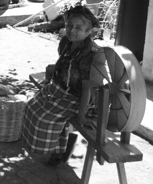 oaxaca-family-weavers-handmade-studio-unseens