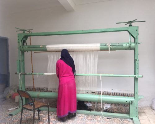 woman-weaving-Morocco-studio-unseens
