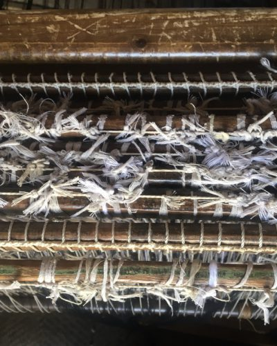 weavers-of-morocco-loom-studio-unseens-wool-zoom-up
